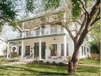 Garden Manor in historic Grapevine